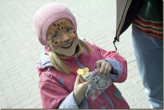 Приют на фестивале кукол